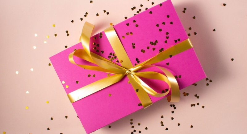 Gifting Influencers